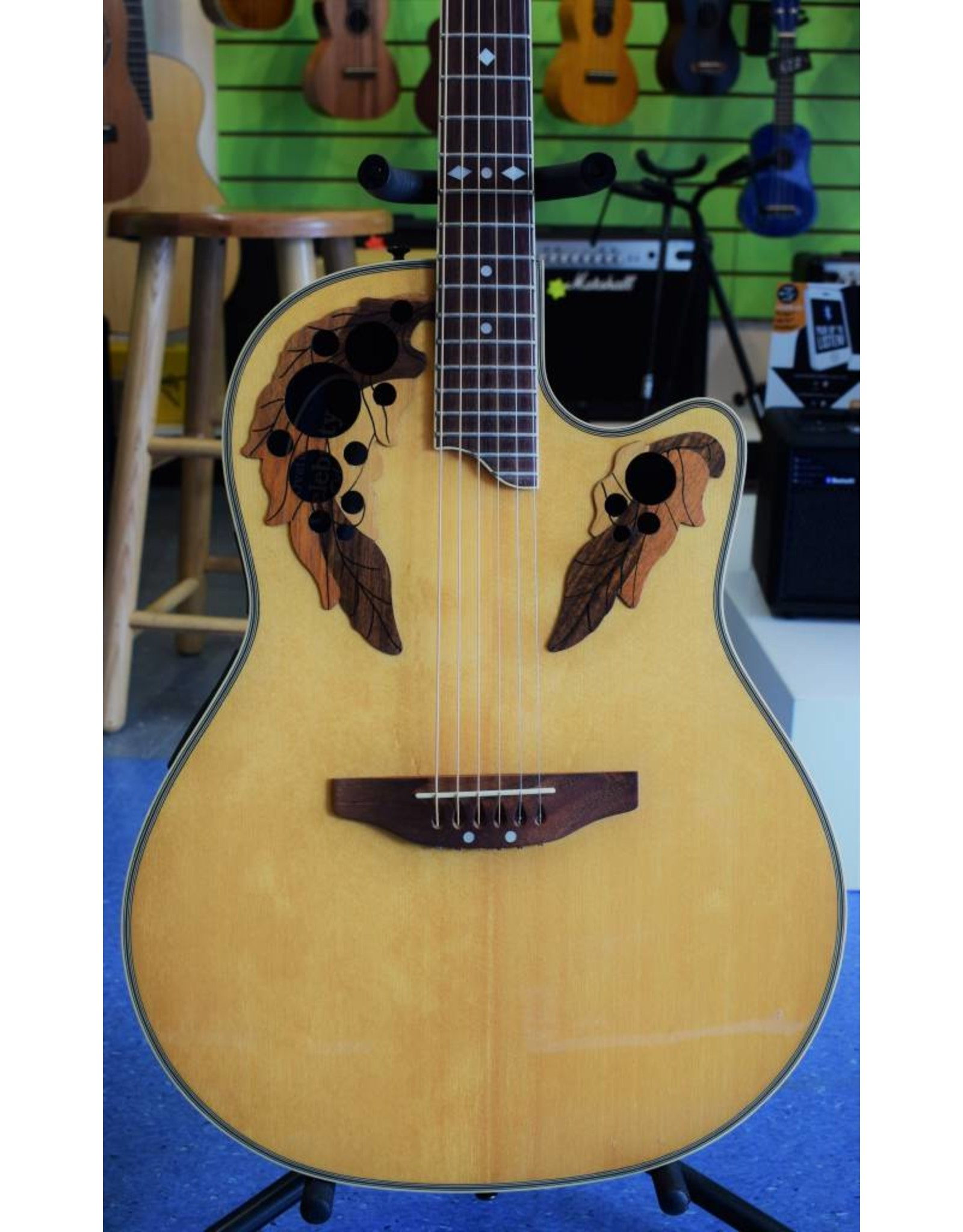 Ovation Celebrity, CC257, Pre-Owned, inc case