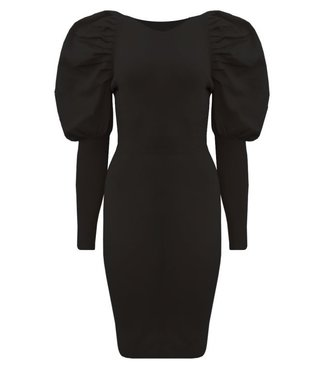 Zwart jurkje met pofmouw