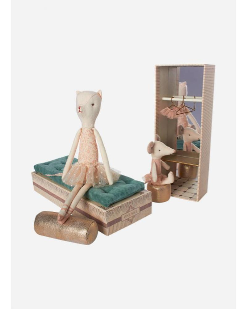 Maileg mouse and dancing cat in shoebox