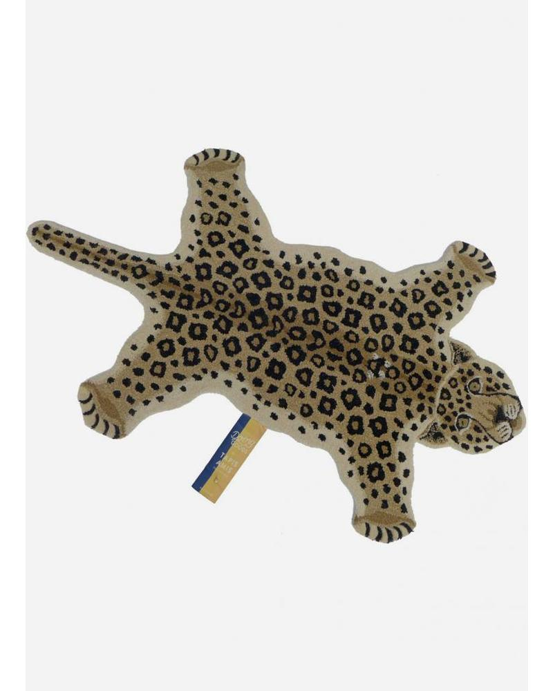 Doing Goods loony leopard rug large