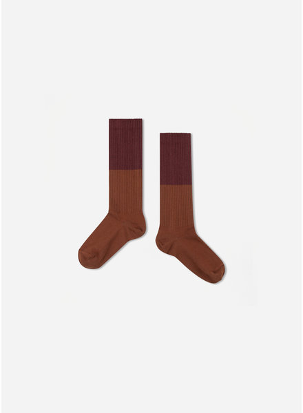 Repose 41. socks - rosewood red with hazel