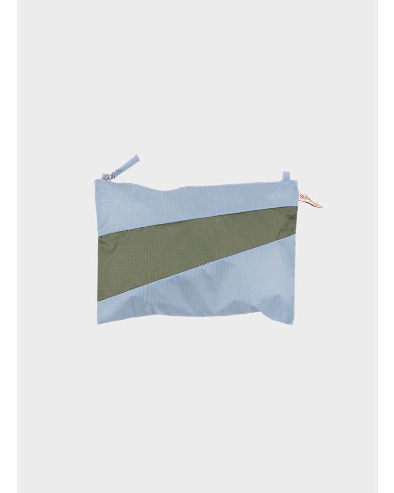 Susan Bijl pouch wall en country
