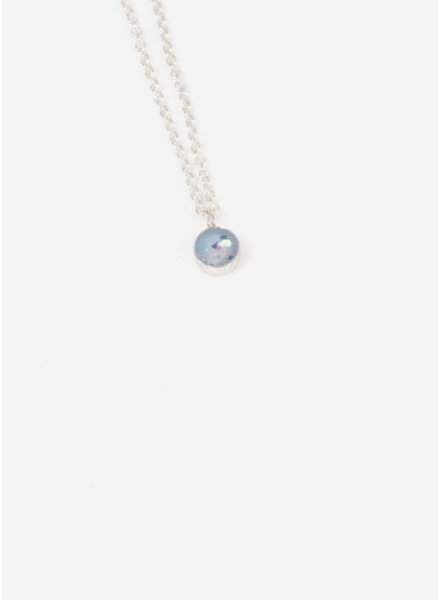 Charlotte Wooning ketting confetti zilver/blauw