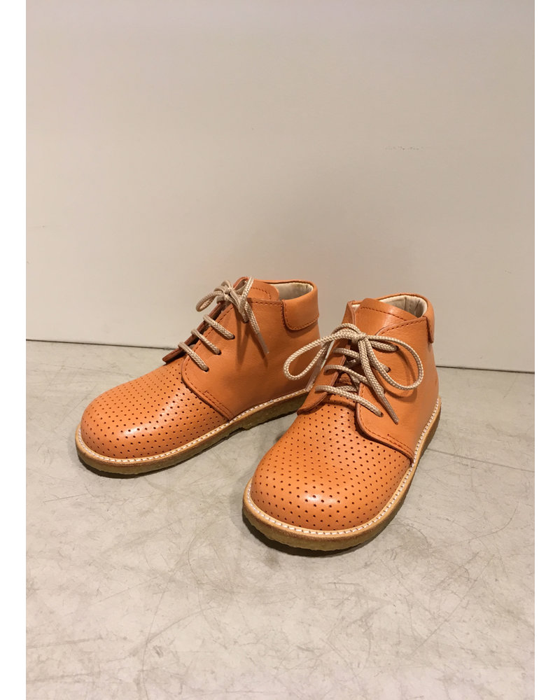 Angulus starter boot with laces and hole pattern - peach