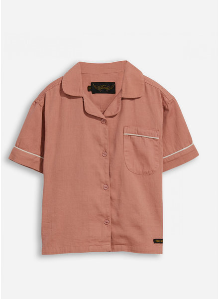 Finger in the nose blair grey pink shirt sleeve shirt