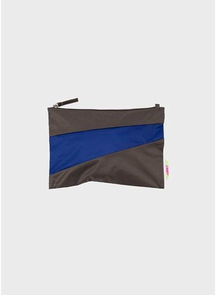 Susan Bijl pouch warm grey & electric blue