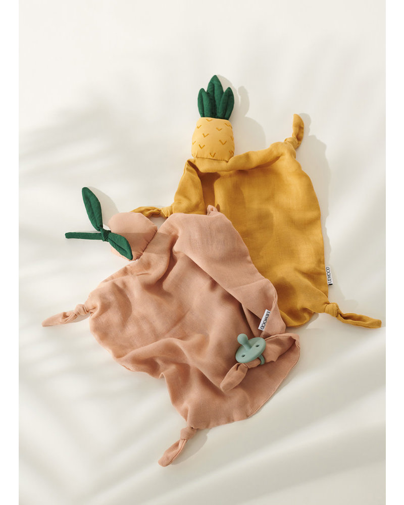 Liewood agnete cuddle cloth pineapple yellow mellow