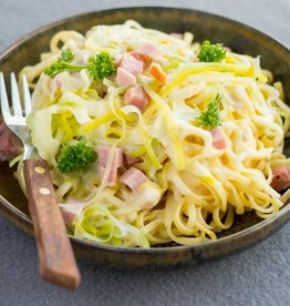 Spaghetti met ham en prei