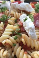 pasta met chorizo , gekonfijte tomaat burrata en basilicum