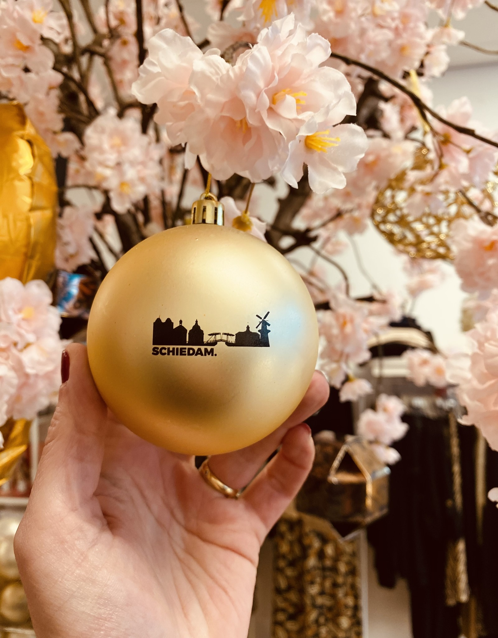 SCHIEDAM. kerstbal logo goud