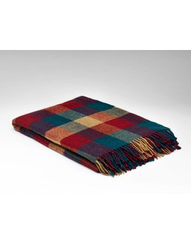 McNutt of Donegal wol plaid home check pine & berry 145x200cm