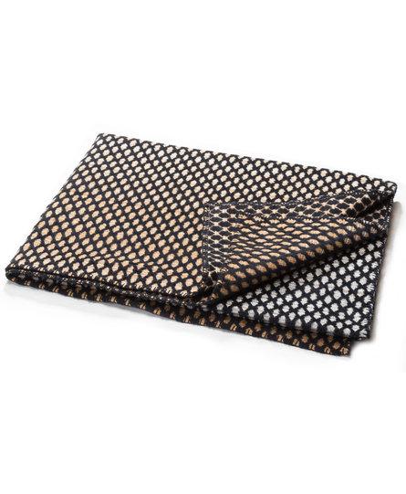 David Fussenegger plaid DECO fishnet 130x200cm zwart