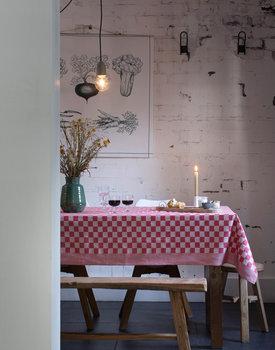 DDDDD tafelkleed Barbeque 140x240 rood