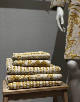 Carrara handdoek Gold Ramage 60x110