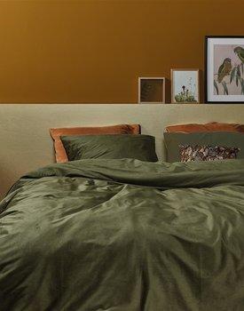 At Home by BeddingHouse Cosy Corduroy Dekbedovertrek  Groen 200 x 200/220 cm
