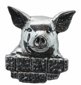 DTR Pig behind wall