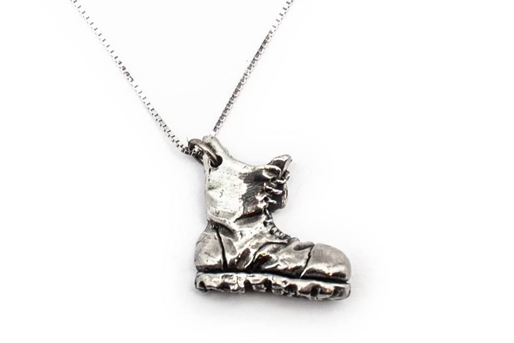 DTR Walking shoe pendant with necklace