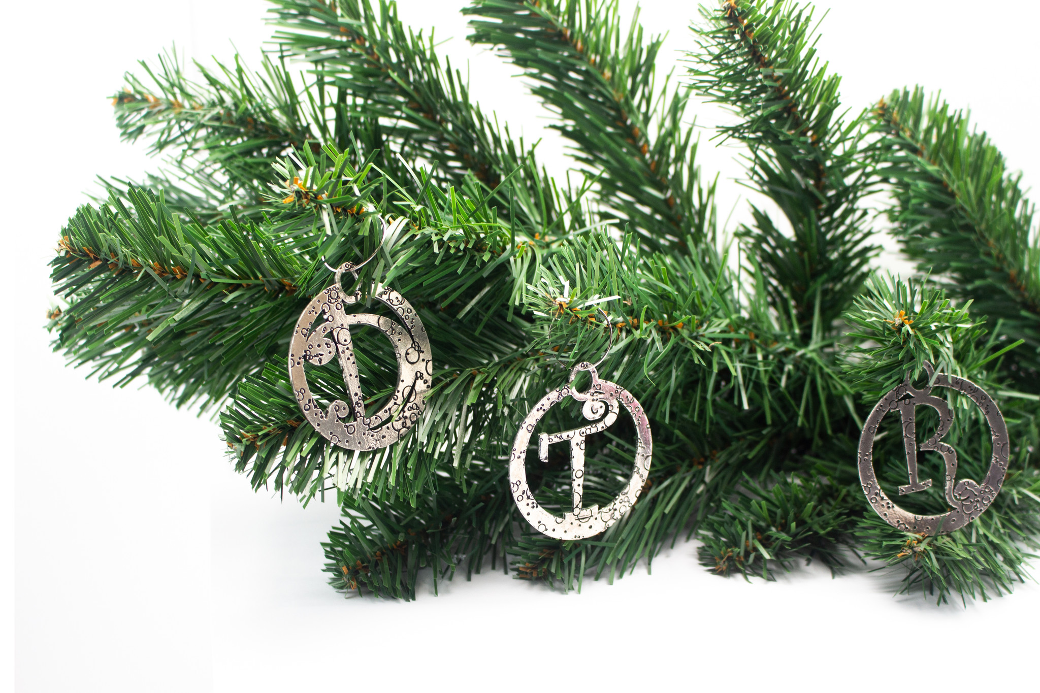 DTR Hanging Christmas ornament wreath with candle