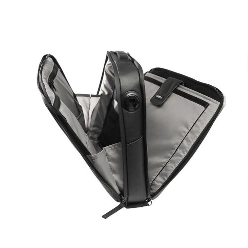 NOMATIC The most functional laptop bag ever!