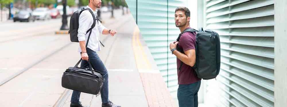 You can carry the NOMATIC Travel Bag as a backpack or a duffel bag