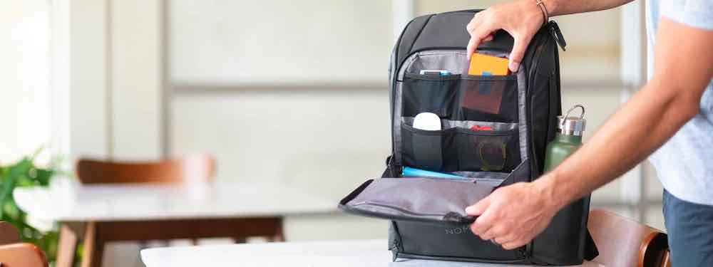 Example of how to store your tech stuff in the NOMATIC Backpack