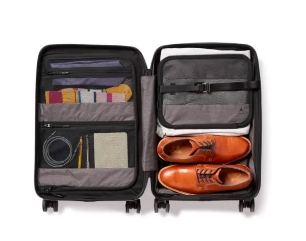 Nomatic Carry on Pro open