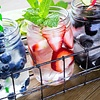 10 Rezepte, damit Wasser besser schmeckt