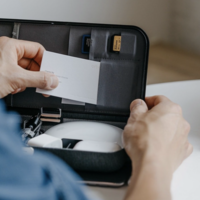 Orbitkey Nest - The desk organizer with built-in wireless charger