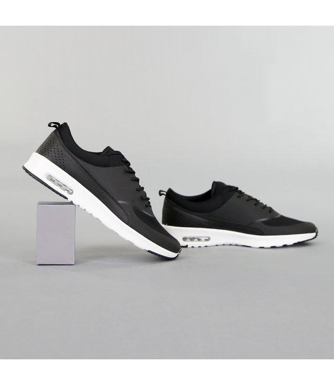 NEW! Basic Zwarte Sneakers met Witte Zool