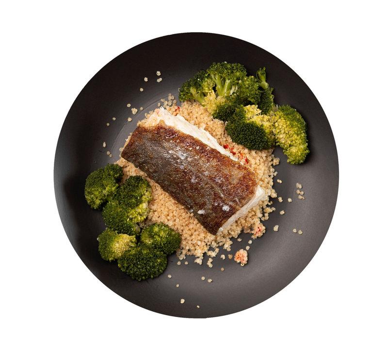 Kabeljauwfilet gaar gestoomd in de oven, mals en vol van smaak