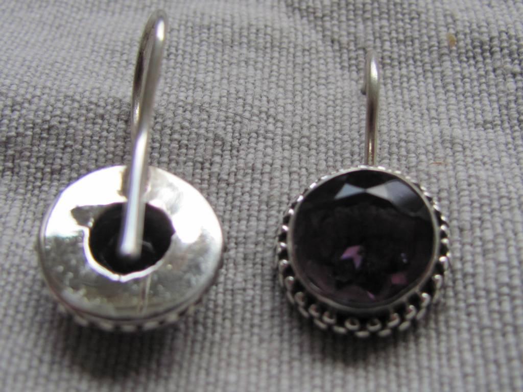 Oorbel zilver met  uitstekend kwaliteit amethist