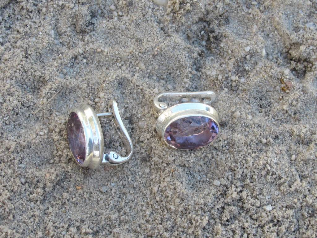 Earring silver with excellant quality  facet cut amethyst