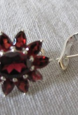 Earring dormeuse silver with garnet