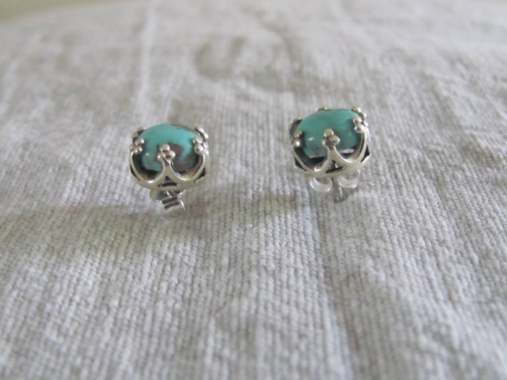 Silver earring  turquoise stud