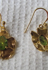 Earring  gold plating on silver with peridot