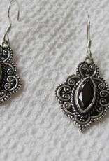 Earring silver with hand faceted garnet stone