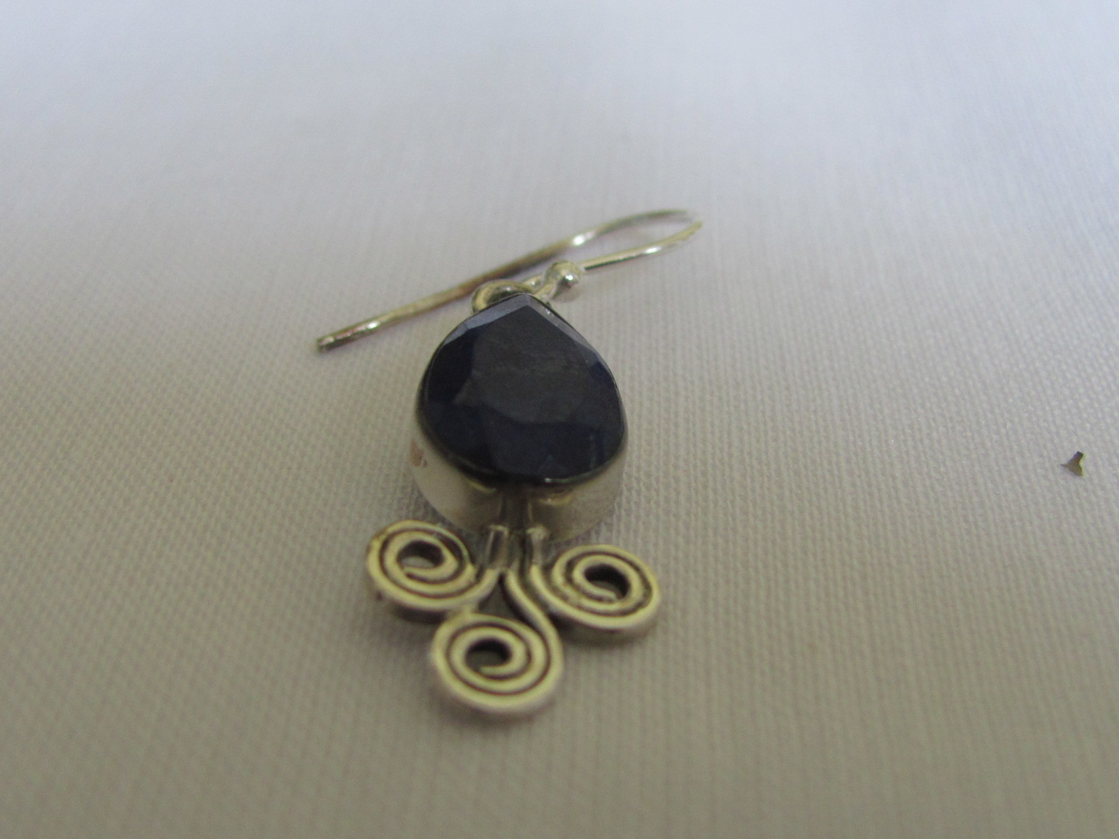 Earring silver  with  lapis lazuli stone