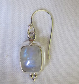 Earring   silver with rainbow moonstone
