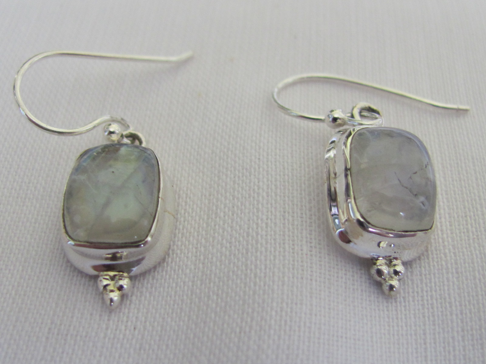 Earring silver with cabouchon cut  rainbow moonstone