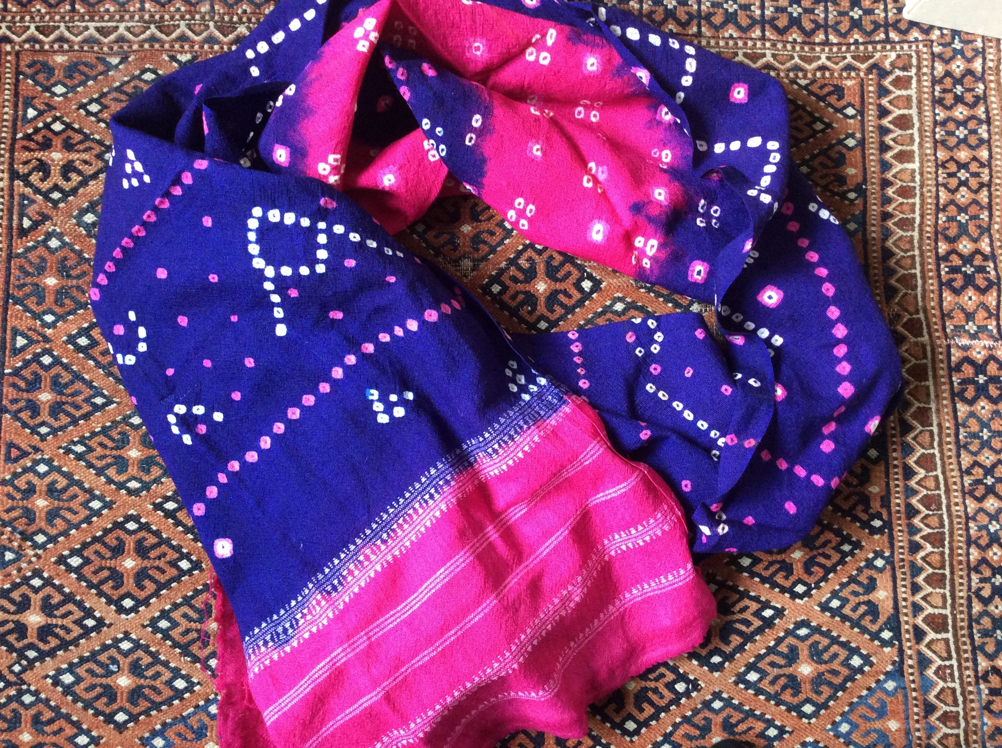 Wollen scarf hand woven and tye dyed