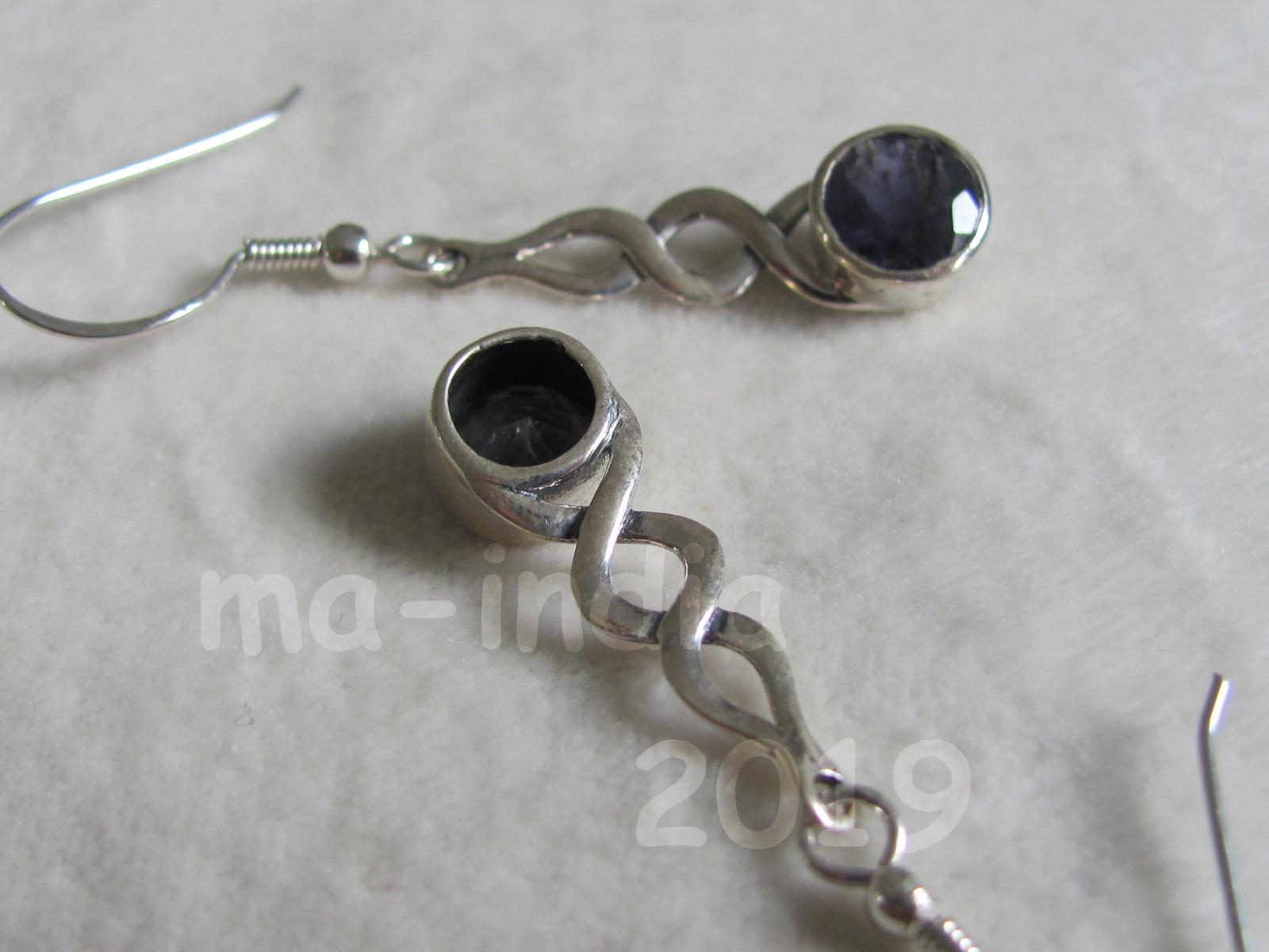 Oorbel zilver met ioliet stenen