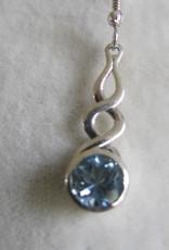 Oorbel zilver met blauwe topas