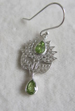 Earring silver with peridot stones