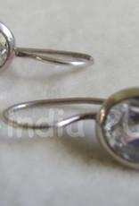 Zilver oorbel dormeuse model met  ovale zircon
