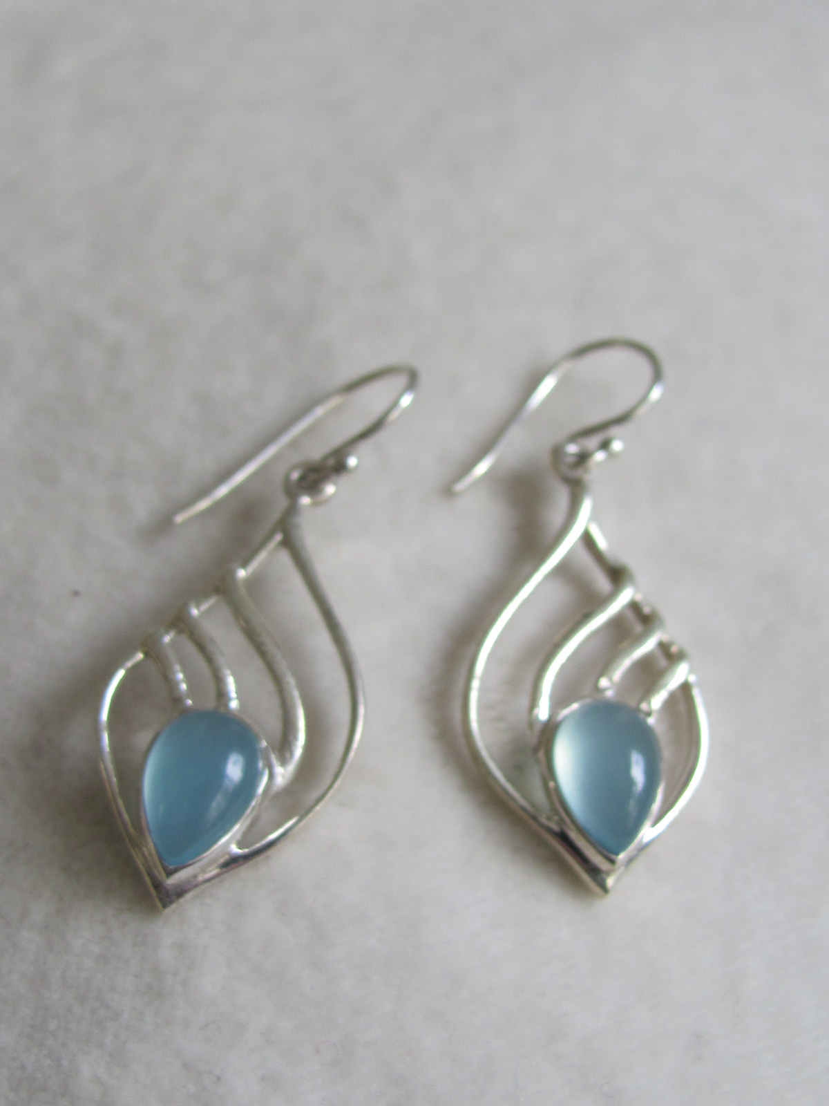 Earring silver calceadone