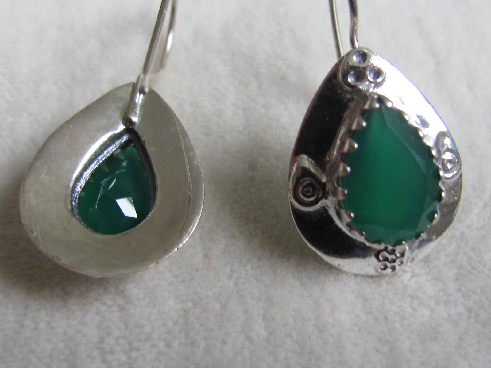 Earring dormeuse silver with  green onyx