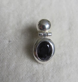 Earring silver with iolite