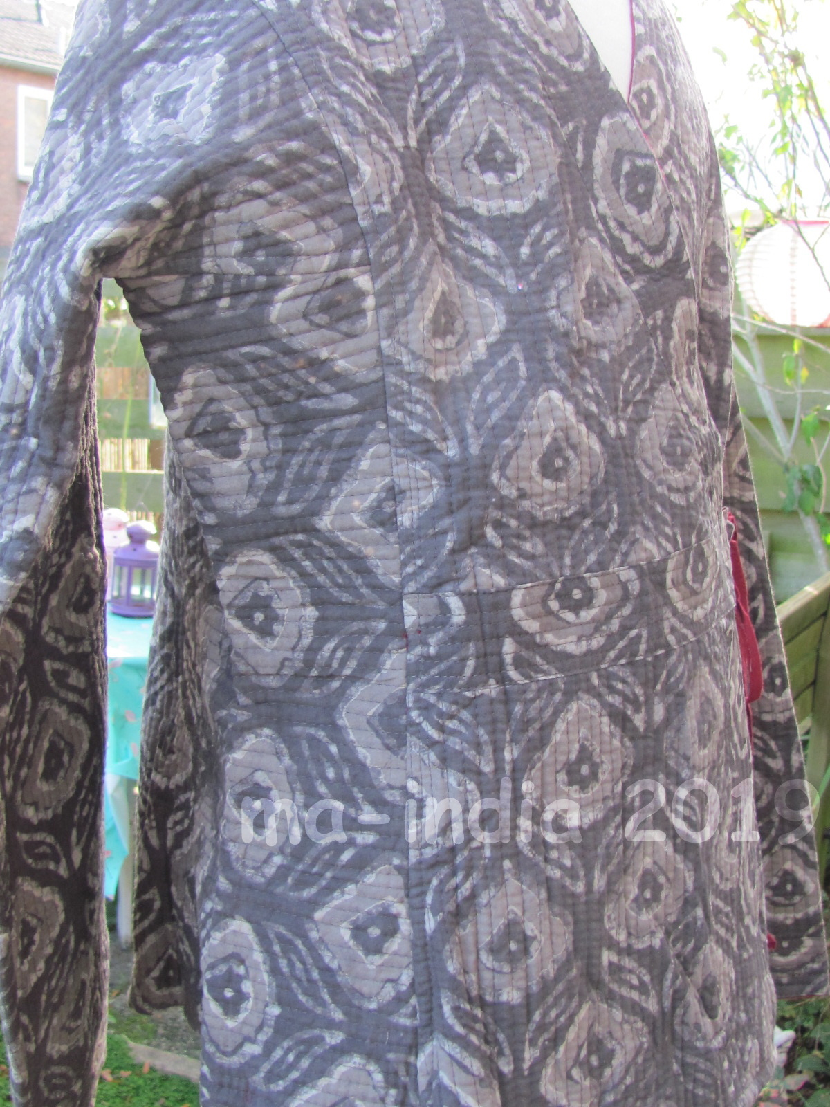 Jacket wrap around  reversable handprinted and quilted