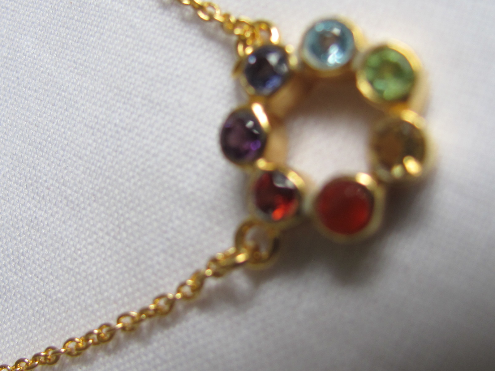 Halsketting goud op zilver met edel steentjes