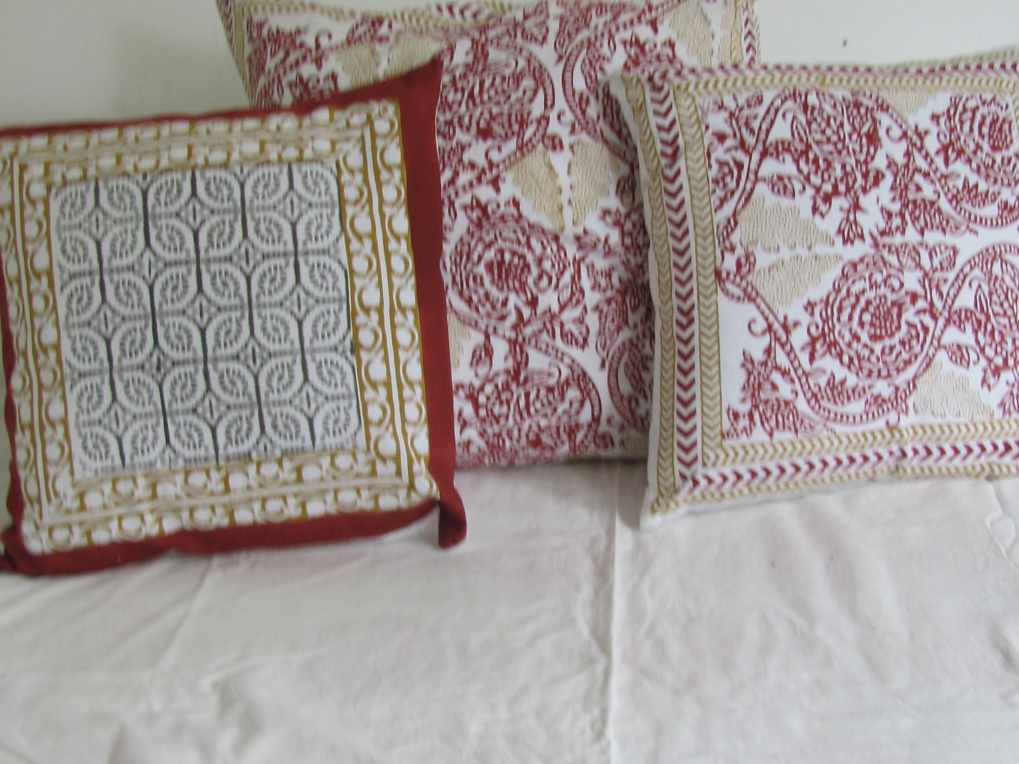 Block print cushioncover natural dyes